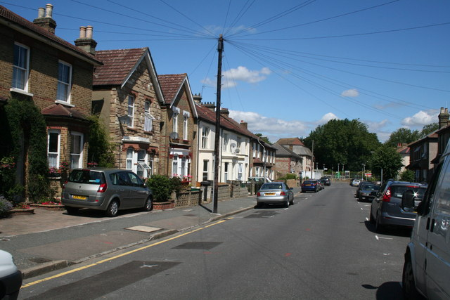 Croydon – For the driveway few not the terrace many